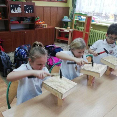 Warsztaty stolarskie w klasie pierwszej